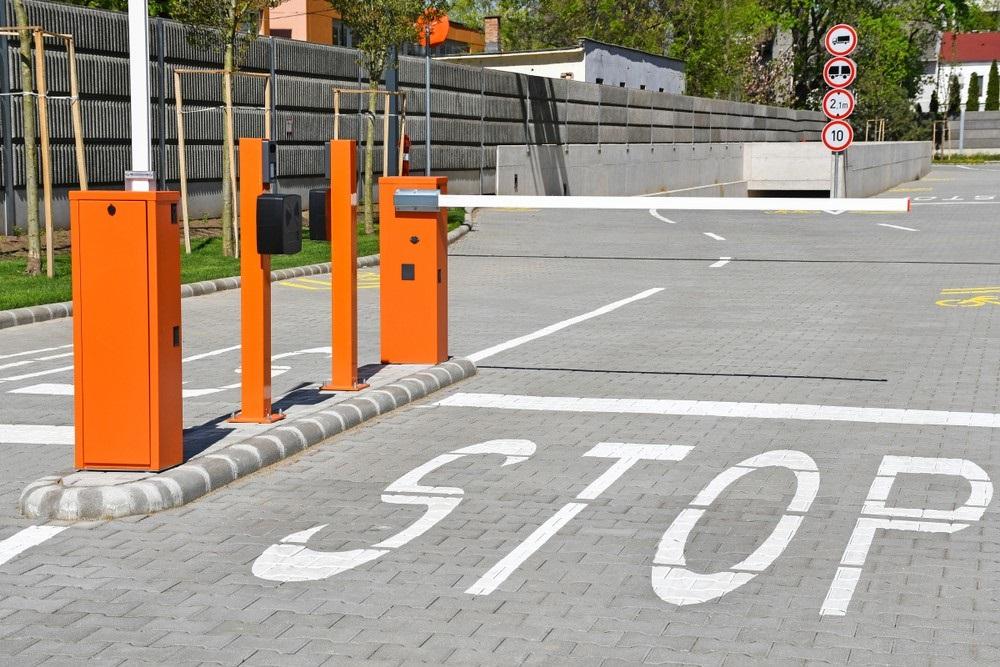 Bedrijfsterrein openbare parkeerplaats